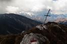 Croce di vetta cima minore del Monte Fara